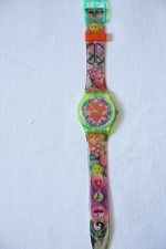 Swatch Uhr Spezial GJ 118 Love, Peace and Happiness